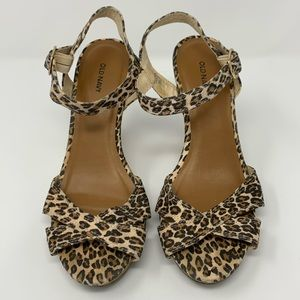 Old Navy Leopard Print Strappy Wedge Heels size 8